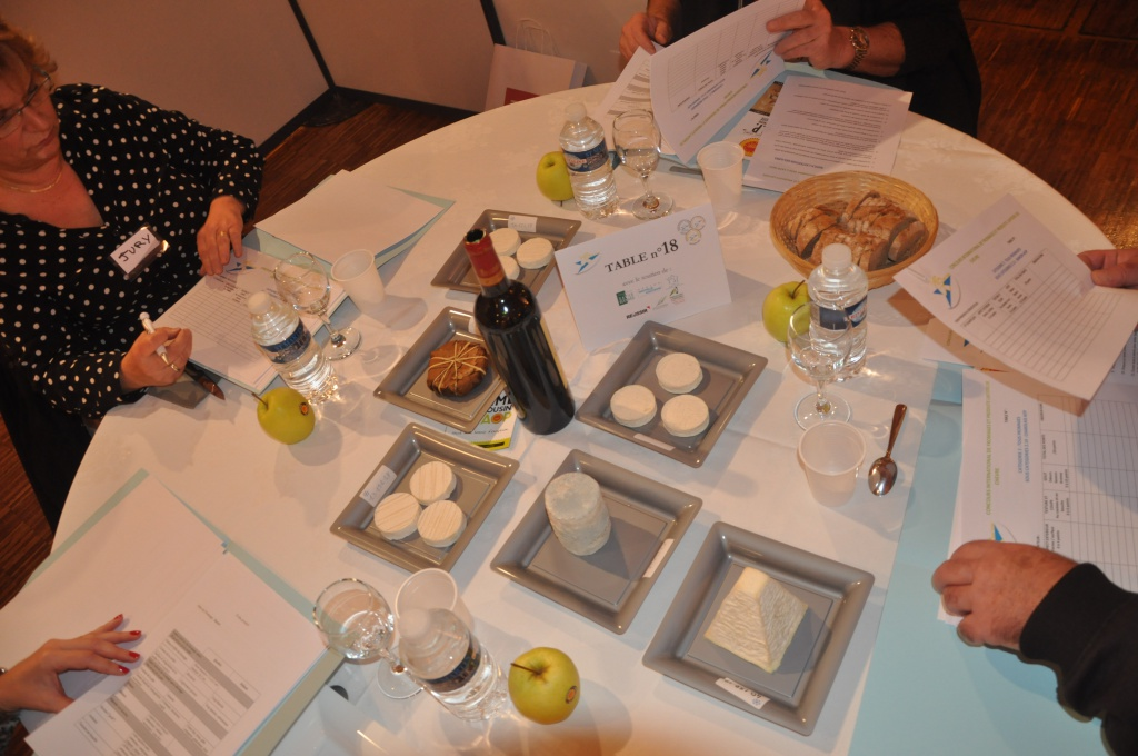 Concours-fromage-Jury.JPG
